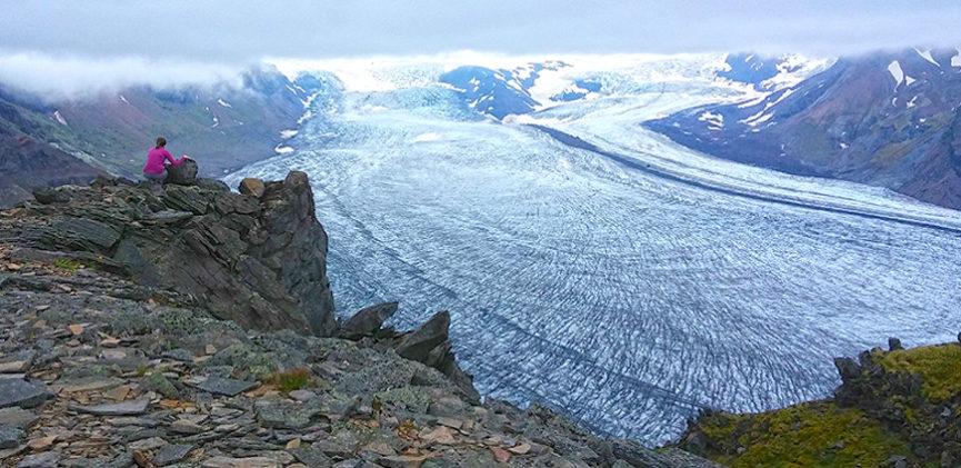 Svínafellsjökull valley glacier