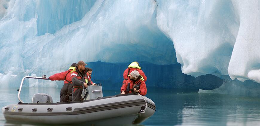 Zodiac boat tour on the Glacier Lagoon
