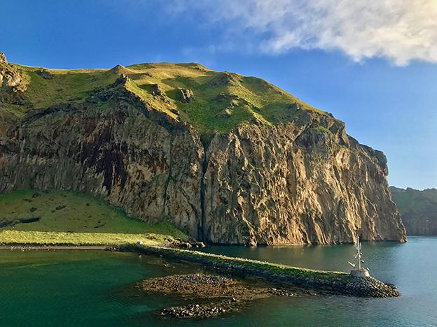 Heimaklettur rock in Vestmannaeyjar islands