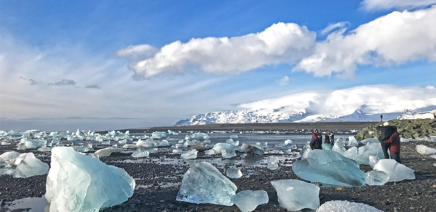 Dimond beach by Glacier Lagoon