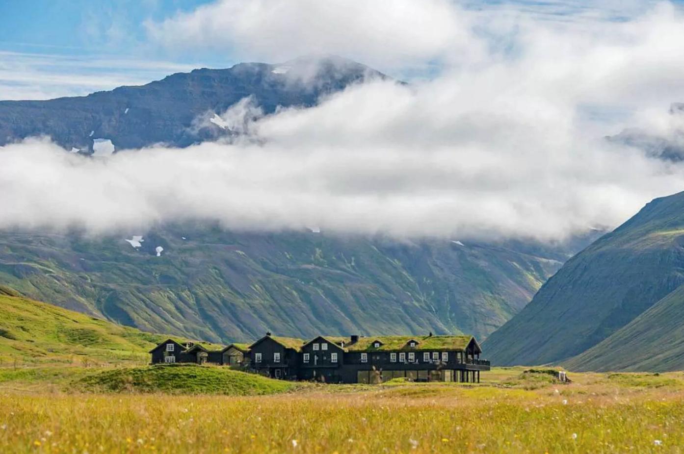 Deplar farm exclusive Iceland hotel